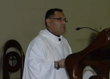 sacerdote alvarez.jpg