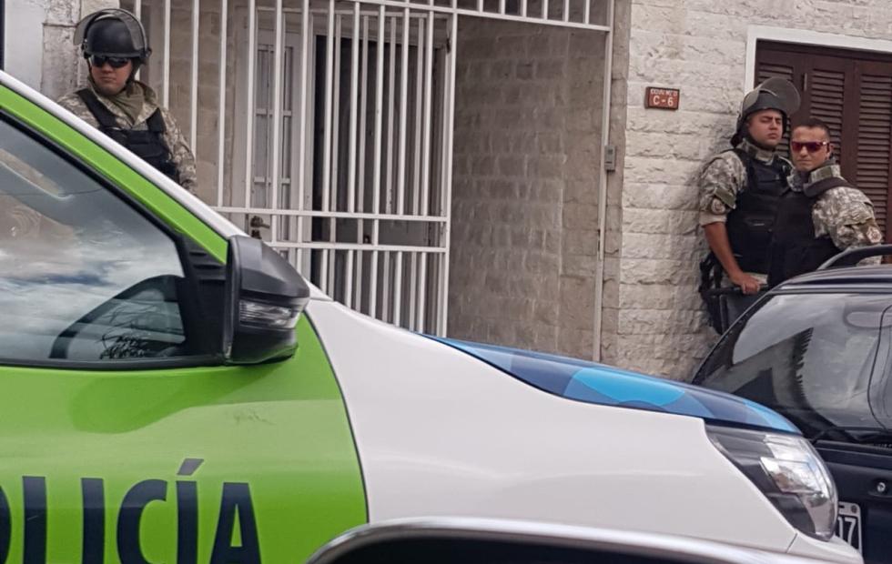 Confirman que Rafael Bofill continúa prófugo tras operativo en su vivienda