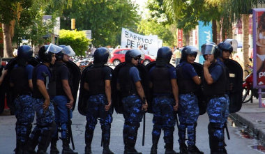 policia.jpg copy