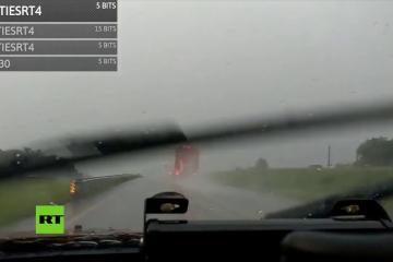 Un 'streamer' transmite cómo persigue una tormenta y acaba grabando su propio accidente