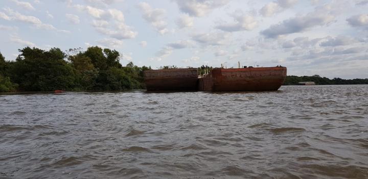 barcaza 4.jpg