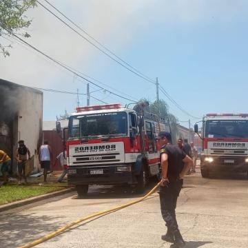 incendio paso de los libres tres heridos.jpg