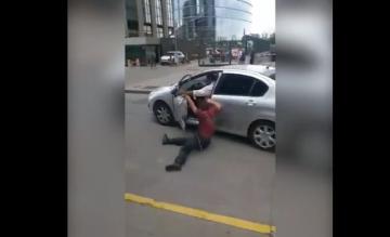 policia arrstrado.jpg