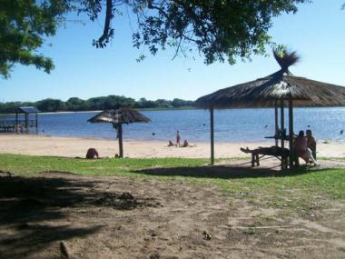 laguna loreto.jpg