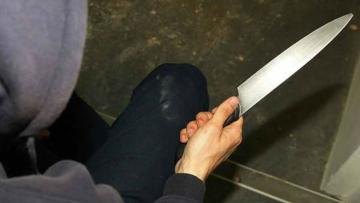 Cuchillo con mano
