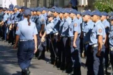 cadetes de la Policia.jpg