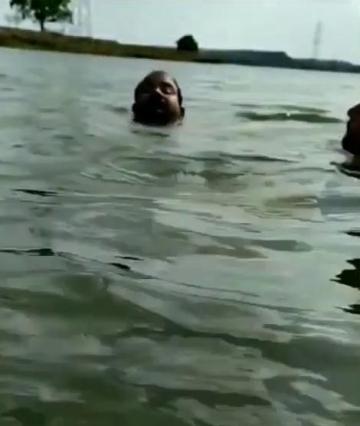 Crocodile Attack Live Captured In Bhopal    Kaliyasot Dam Viral video copy
