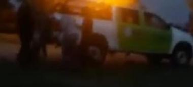 Gritos y empujones en un desalojo policial en Corrientes