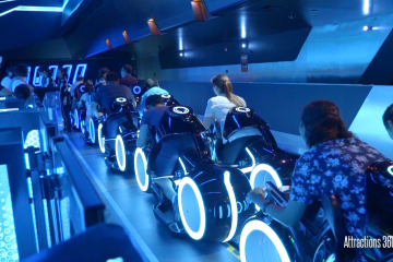 [HD] Amazing TRON Coaster Ride-through - Shanghai Disneyland
