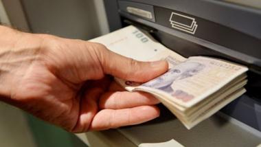 cajero-pesos.jpg