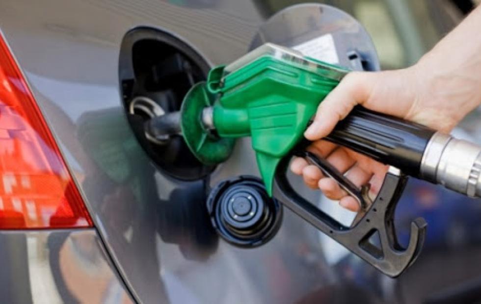 Por aumentos en biocombustibles e impuestos, mañana subirían los precios de las naftas y el gasoil