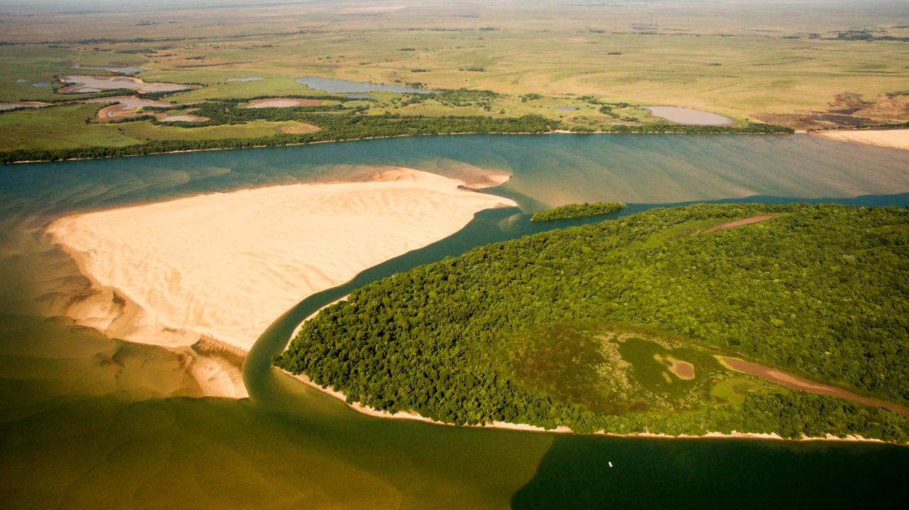 Bajante río Paraná Itá Ibaté