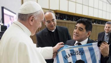maradona Papa.jpg