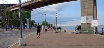 acceso a playa debajo del puente.jpg