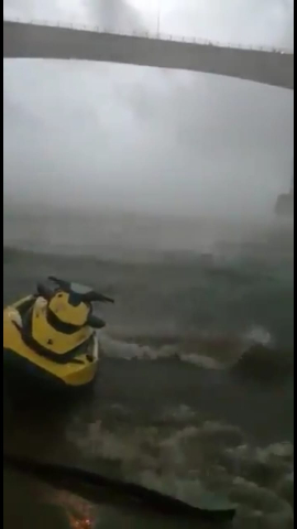 temporal en el rio.jpg