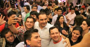 valdes con juventud radical 1.jpg