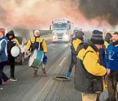 Se agrava la crisis en Chubut: estatales rechazan propuesta de pago y se multiplican los cortes de rutas