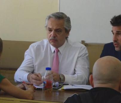 """Alberto Fernández: """"Defenderemos la educación pública con recursos que merece"""""""