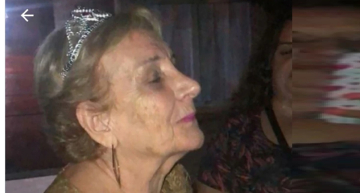 Una abuela celebró sus 80 años fumando marihuana con sus nietos y el video se volvió viral