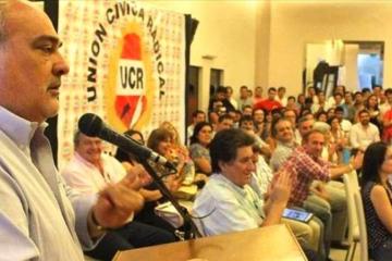 Colombi Convencion UCR.jpg