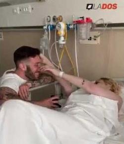 Le propuso matrimonio a su novia con cáncer y ella murió 2 días después copy