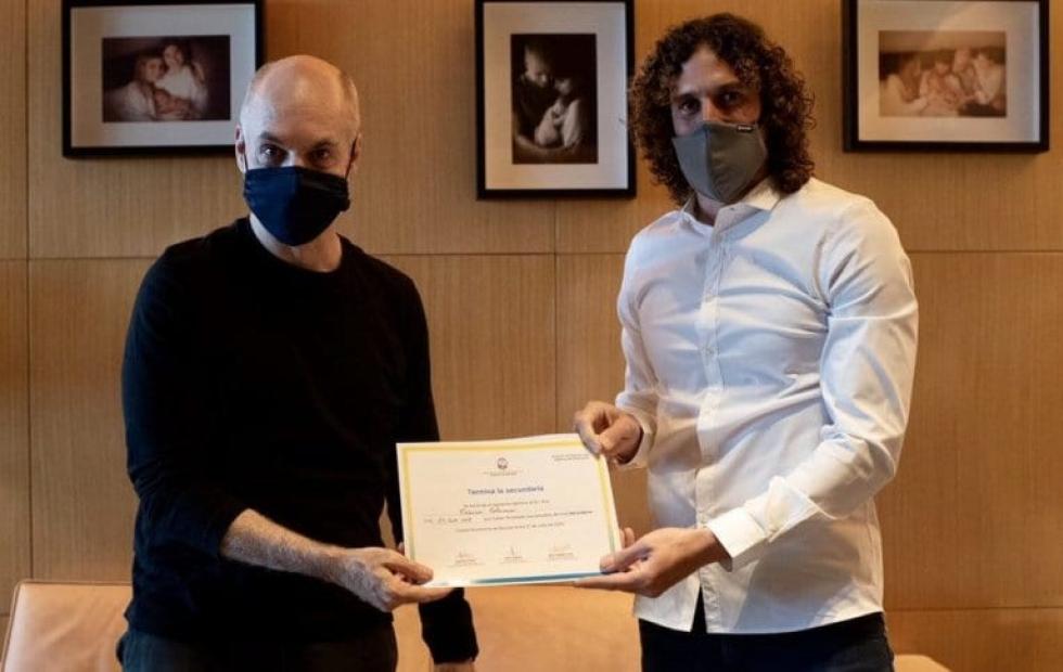 Con el mejor promedio, Fabricio Coloccini recibió su título de la Secundaria