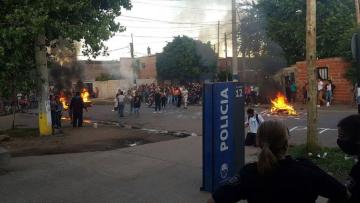 protesta-vecinos-violacion-adolescente-rosario.jpg