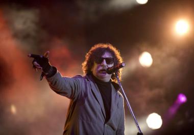 Video: Carlos Vives, Serrat, Caetano Veloso y muchos artistas más saludaron a Charly García por su cumpleaños