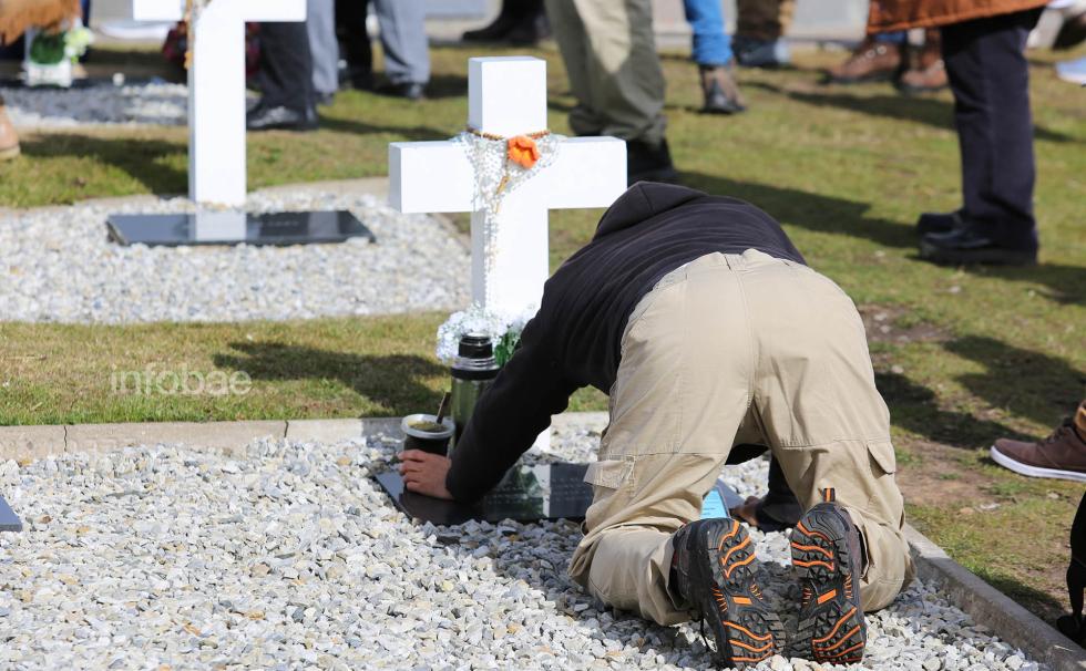 Islas-Malvinas-Cementerio-Darwin-13-03-19-42.jpg