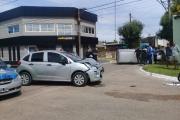 Choque y vuelco en una esquina del barrio Santa María