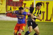 """Arden los chaqueños: Sarmiento acusa """"pésimo arbitraje"""" de un correntino tras perder el ascenso"""