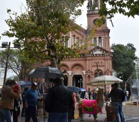 Esquina: El clima no fue impedimento para las muestras de fe en Santa Rita