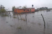 Inundaciones en Itatí: Asisten a 700 afectados y 30 familias evacuadas