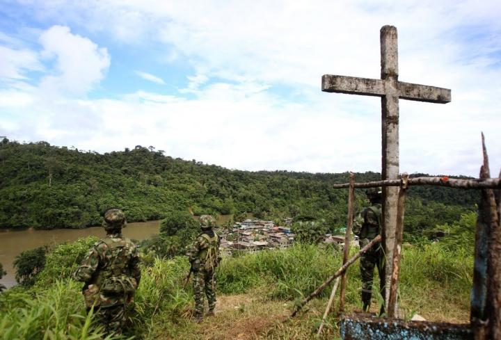 soldados-prestan-guardia-en-el___Ocj03kLOX_0x750__1.jpg