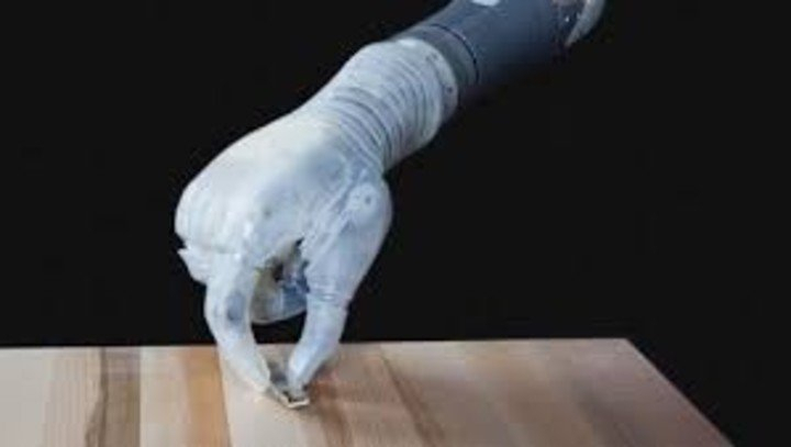 es-una-protesis-motorizada-capaz___ik-pWQsFA_720x0__1.jpg