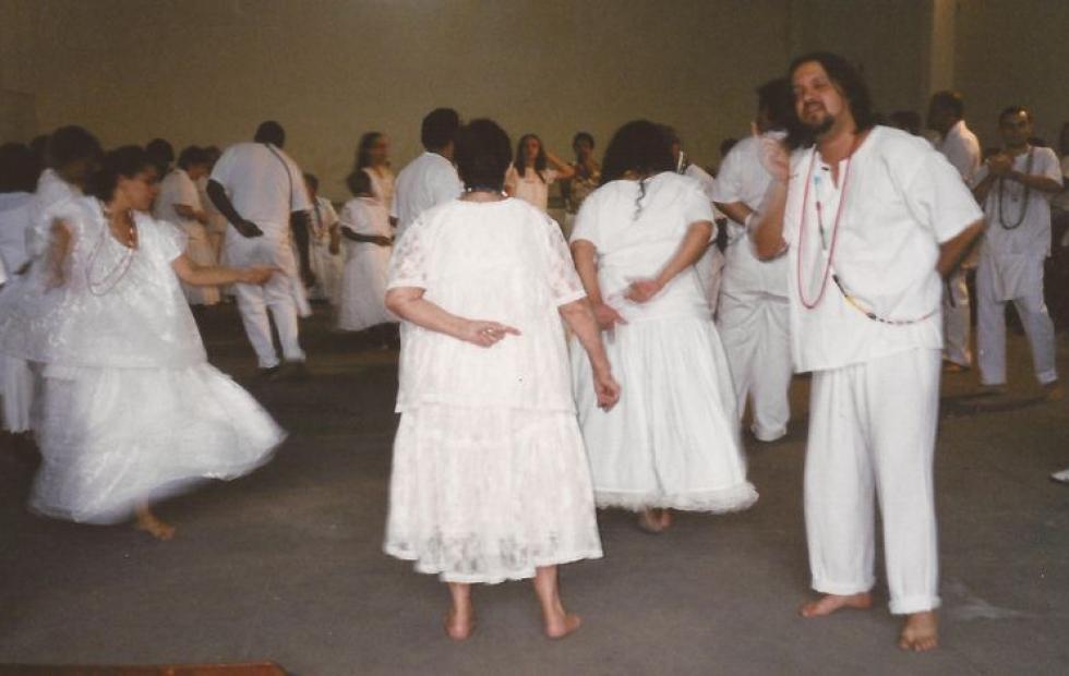 """Pai umbanda la citó a una """"limpieza espiritual"""" y le pasó su miembro por la cara"""
