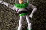 Encontró un muñeco de Toy Story con el nombre de la dueña