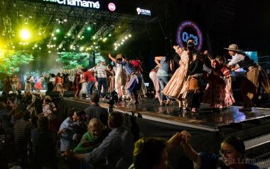 Fiesta-Nacional-del-Chamamé1.jpg