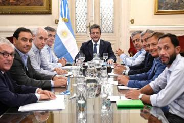 Gustavo Valdés se reunió con Sergio Massa en Buenos Aires