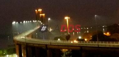 puente con humo.jpg
