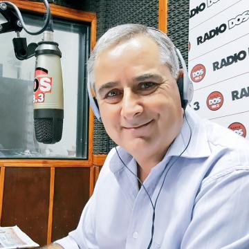 Carlos Simon La Dos.jpg
