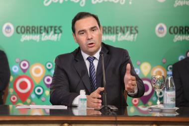 Gustavo Valdes en conferencia de prensa