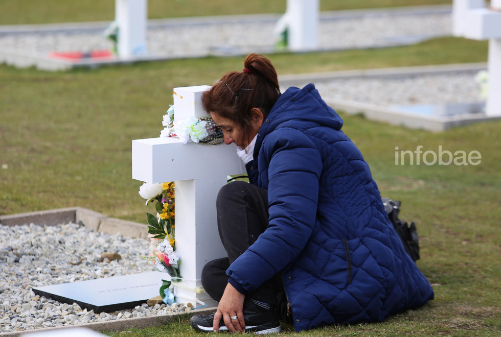 Islas-Malvinas-Cementerio-Darwin-13-03-19-91.jpg