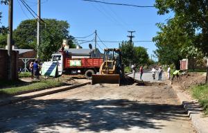 Provincia y Municipio intensifican la pavimentación de calles en la Capital correntina