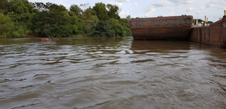barcaza 5.jpg