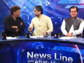PTI Masroor Ali Siyal fight with Journalist Imtiaz Khan Faran in Live Talk Show