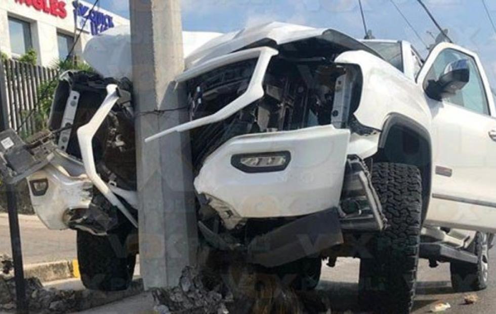 Insólito: Un hombre chocó su camioneta mientras le practicaban sexo oral