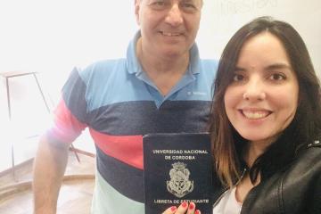 """""""Todo logro es colectivo"""": La increíble historia de la joven que rindió un examen tras un mensaje de Alberto Fernández"""