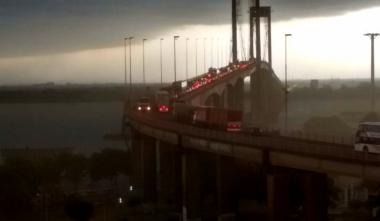 tormenta en el puente.jpg