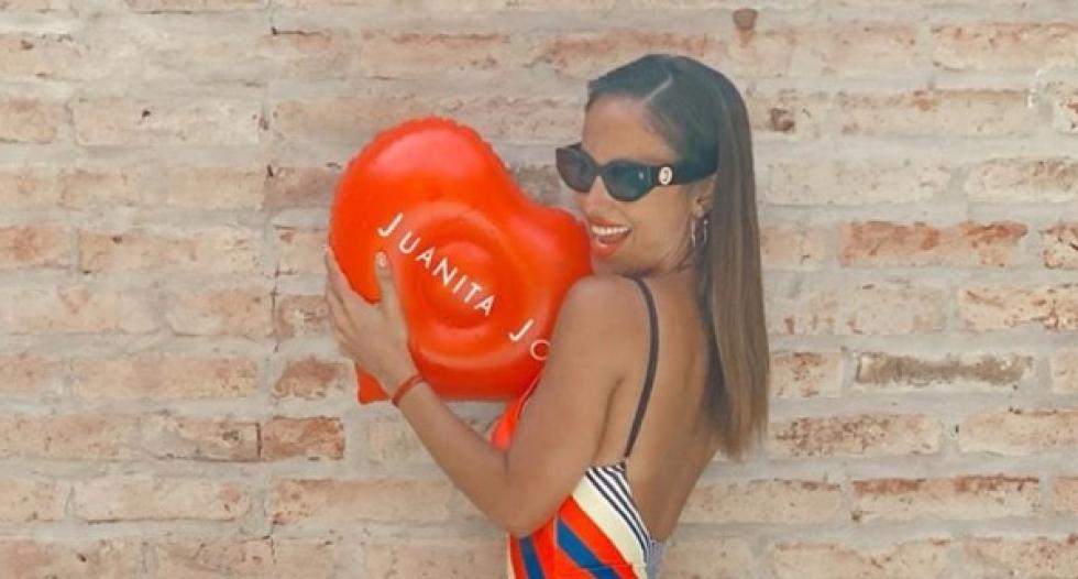 Lourdes Sánchez lució su sensual bronceado y habló sobre cómo tomar sol